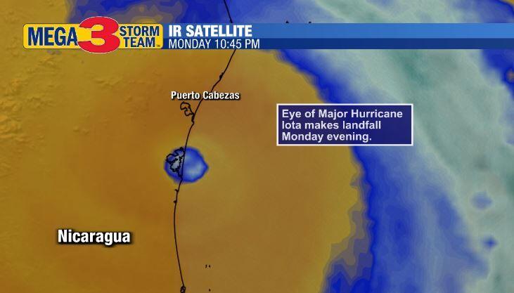 Eye of Iota crossing the Nicaragua coast Monday Evening