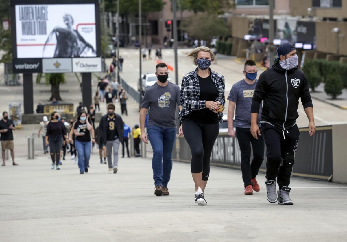 Saints fans entering Superdome