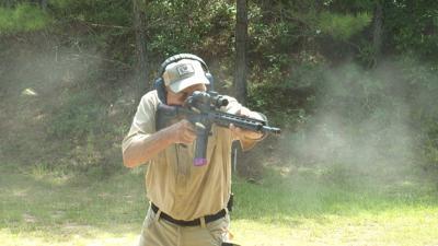 Jerry Miculek shooting