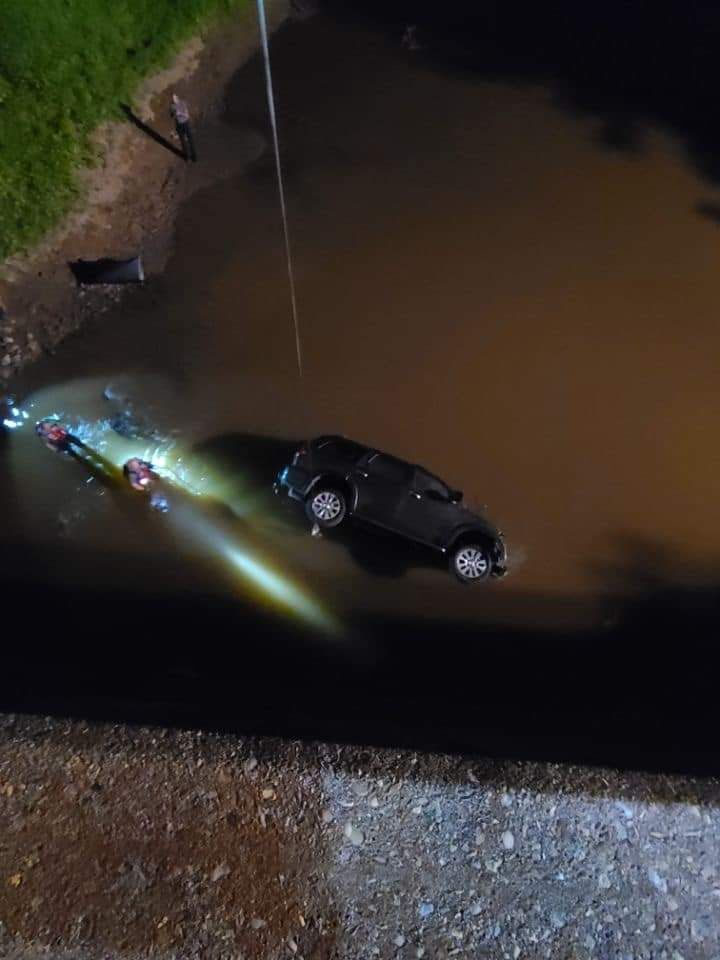 Lyn Lawrence crashes DA vehicle 1