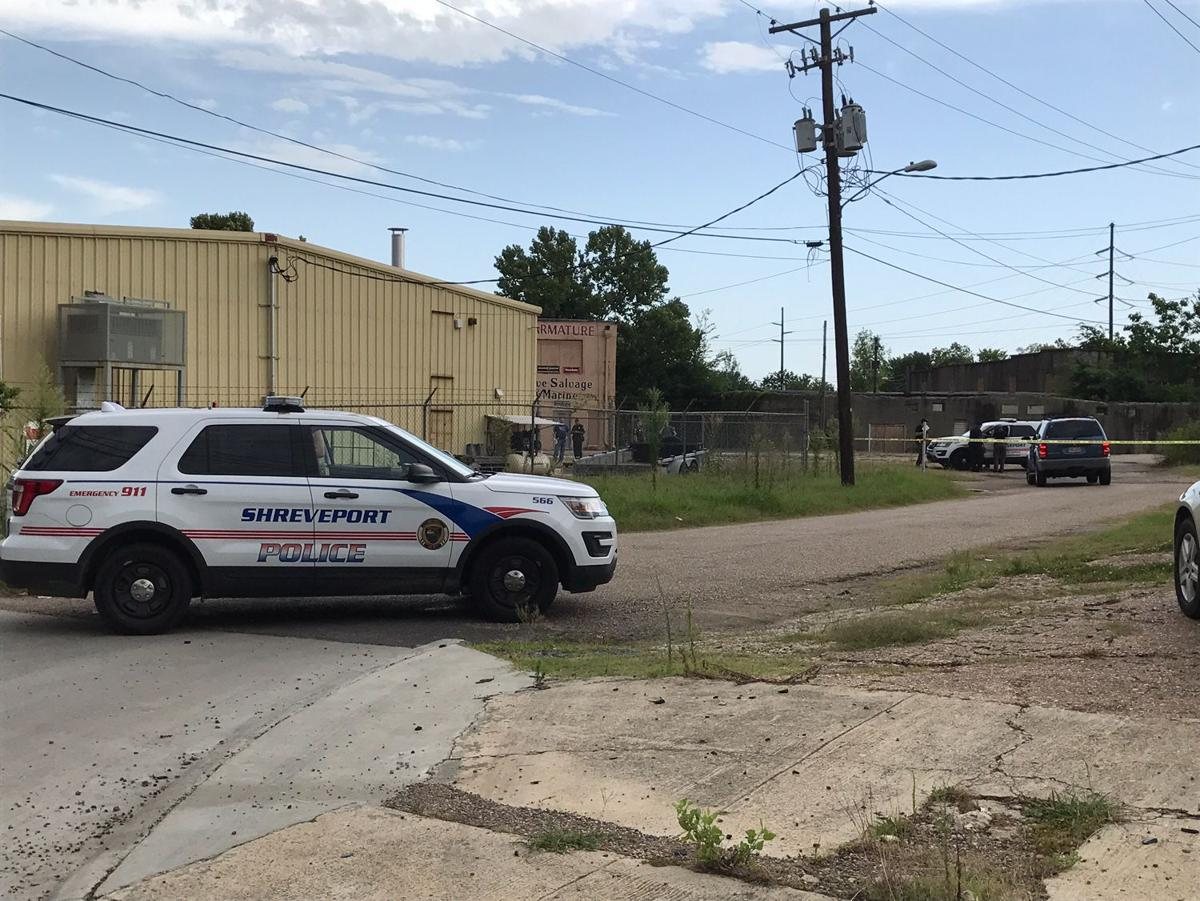 Shreveport la shreveport police say a body was found saturday near the intersection of lakeshore drive and texas avenue in the ingleside neighborhood