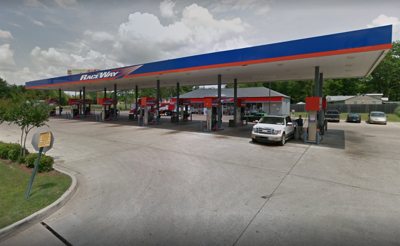 Man shot while pumping gas at Shreveport gas station