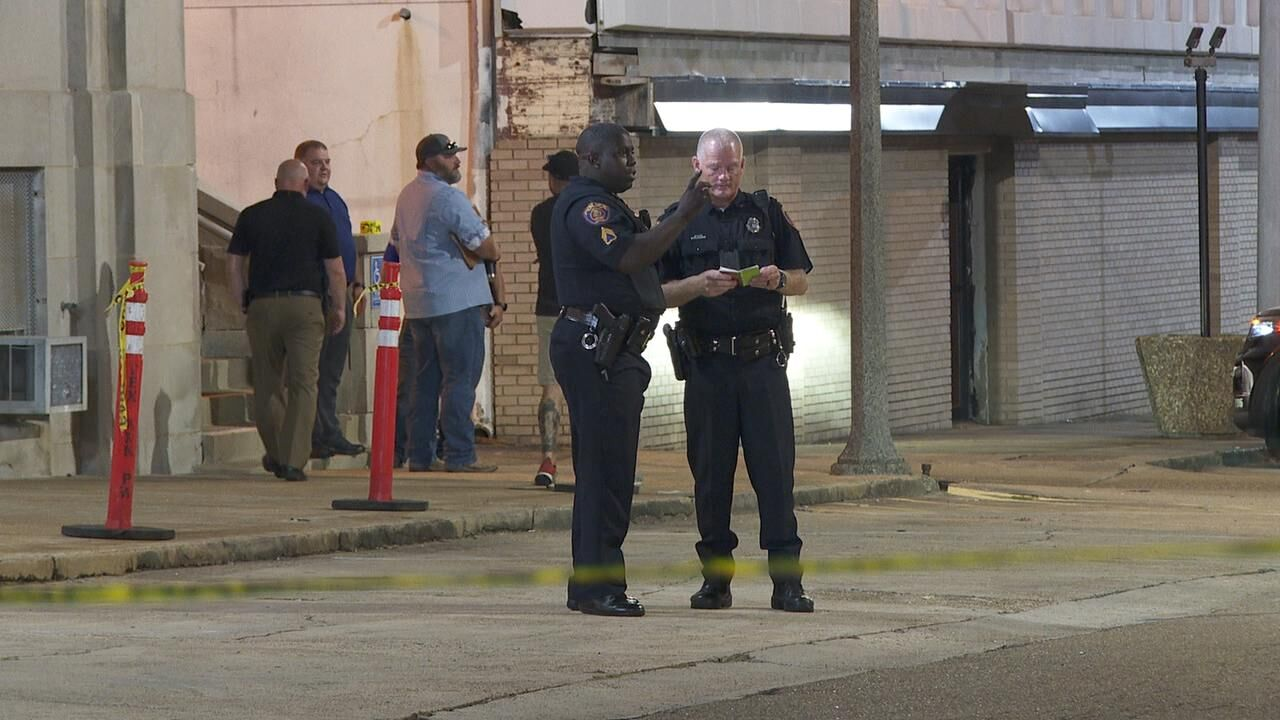 Authorities investigate officer involved shooting inside a Texarkana restaurant