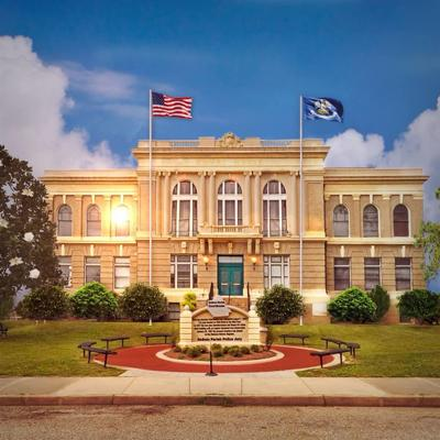 DeSoto Parish Courthouse