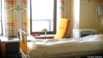 hospital bed mental health care detox clinic doctor