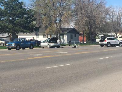 Serious injury crash closes part of Broadwater Ave.