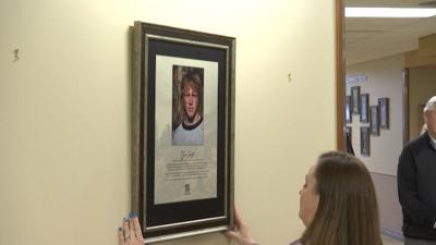 """""""Gift of Life"""" gallery honors organ donors at St. Vincent Healthcare"""