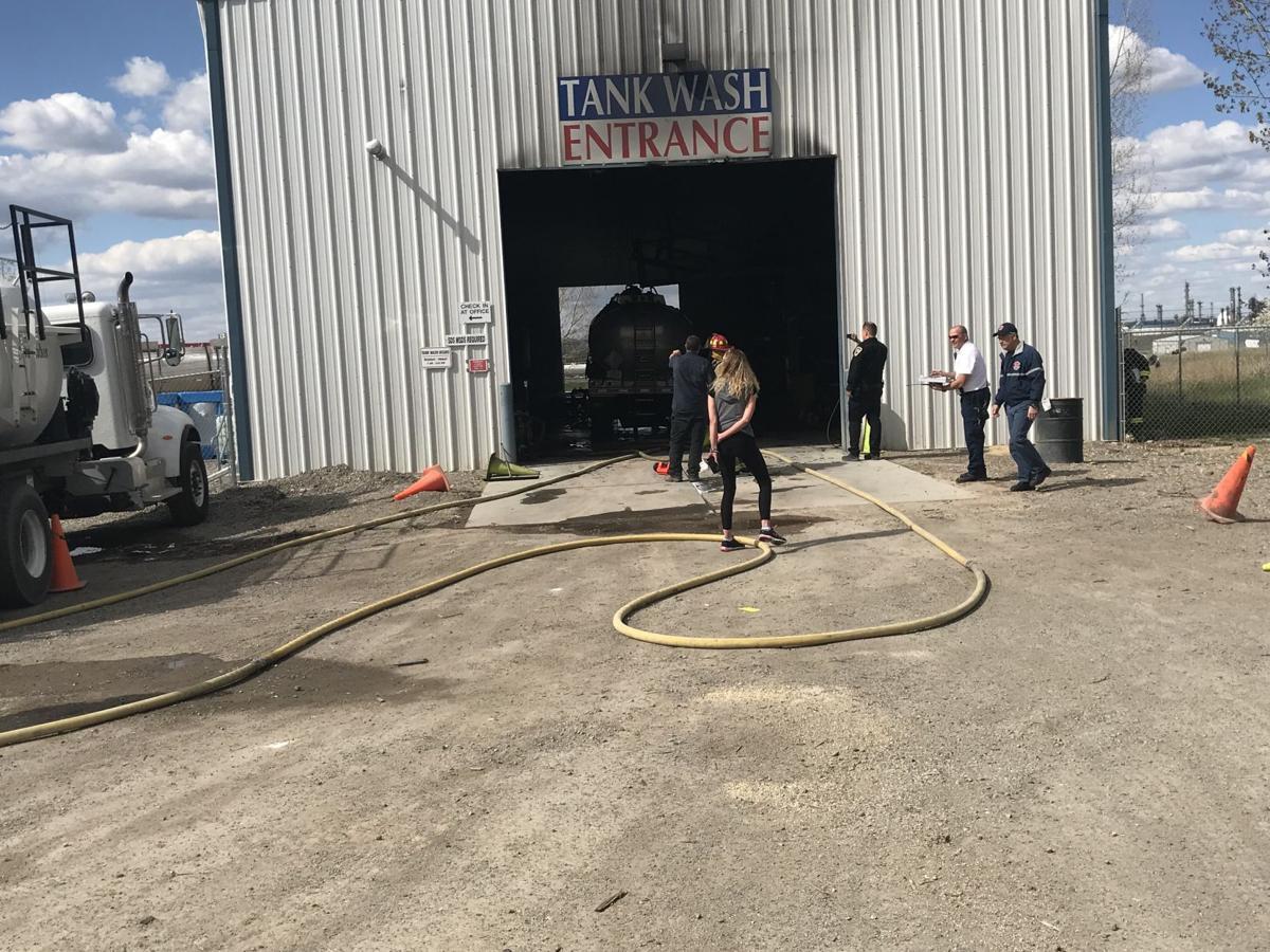 2 injured in gasoline explosion in Lockwood