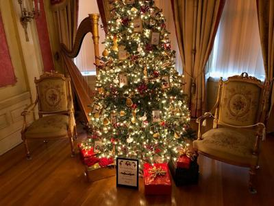 Christmas Trees Display Back At Moss Mansion News Kulr8 Com