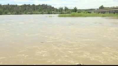 Yellowstone river in Billings at minor flood stage