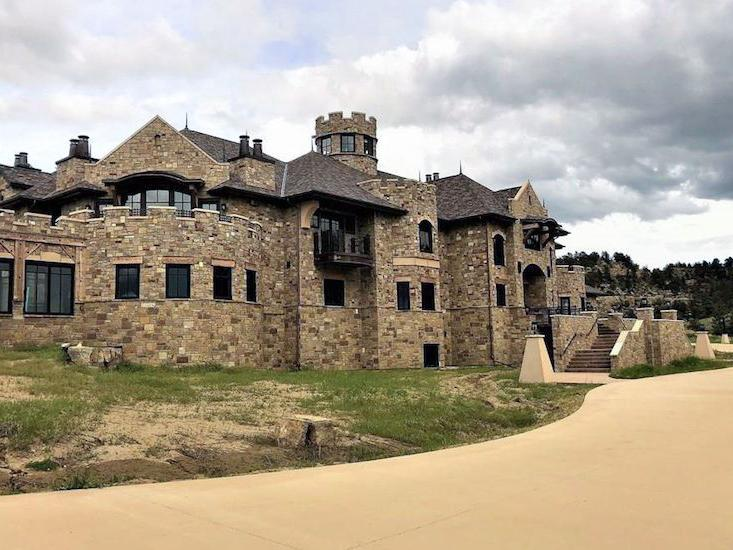 Court clears way for Wyoming firm to sell Montana mansion