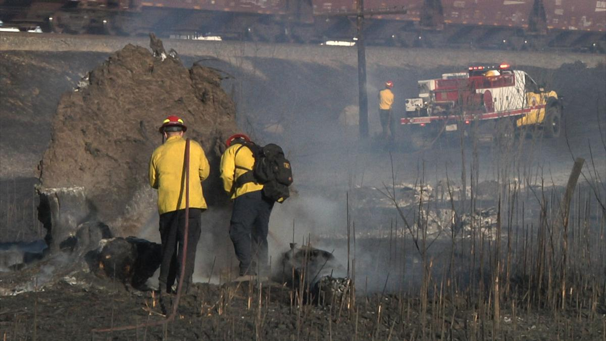 Grass fire near ExxonMobil temporarily closes Lockwood Rd    News