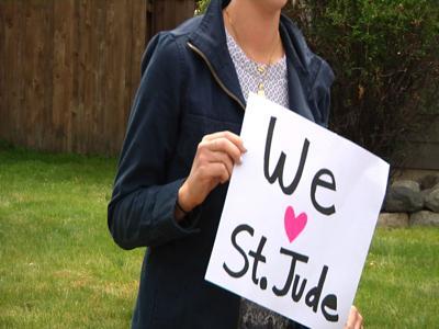 St. Jude Dream Home Giveaway sidewalk signing
