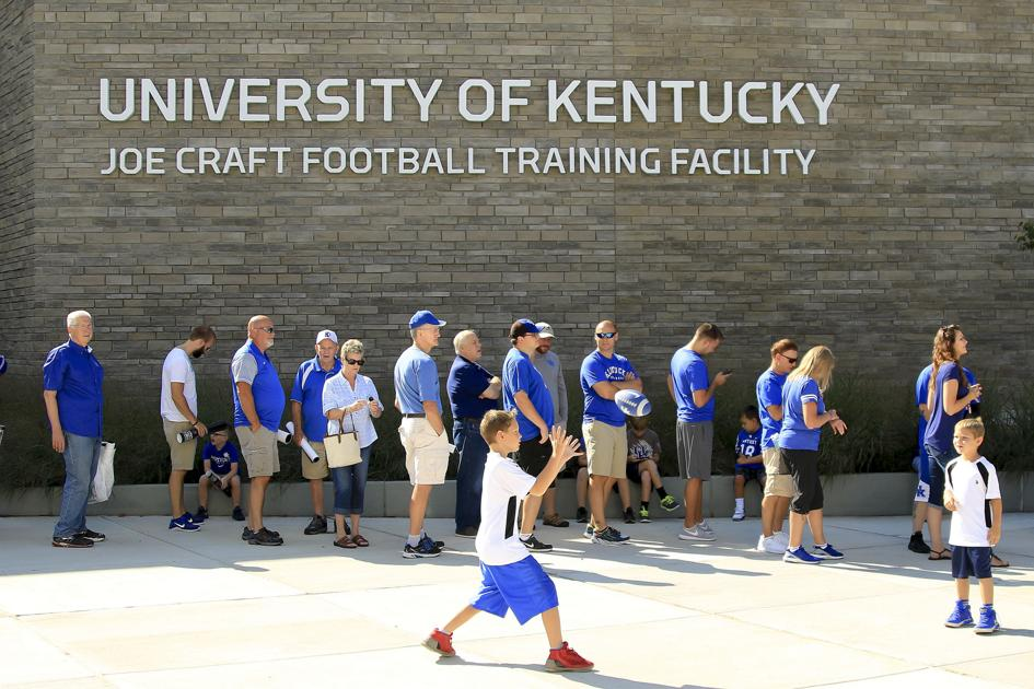 PHOTOS: UK Football Fan Day and Open Practice   Multimedia ...