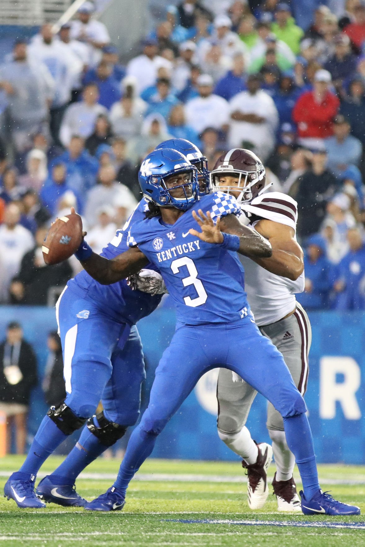 PHOTOS: Kentucky Football Defeats Mississippi State 28 to ...