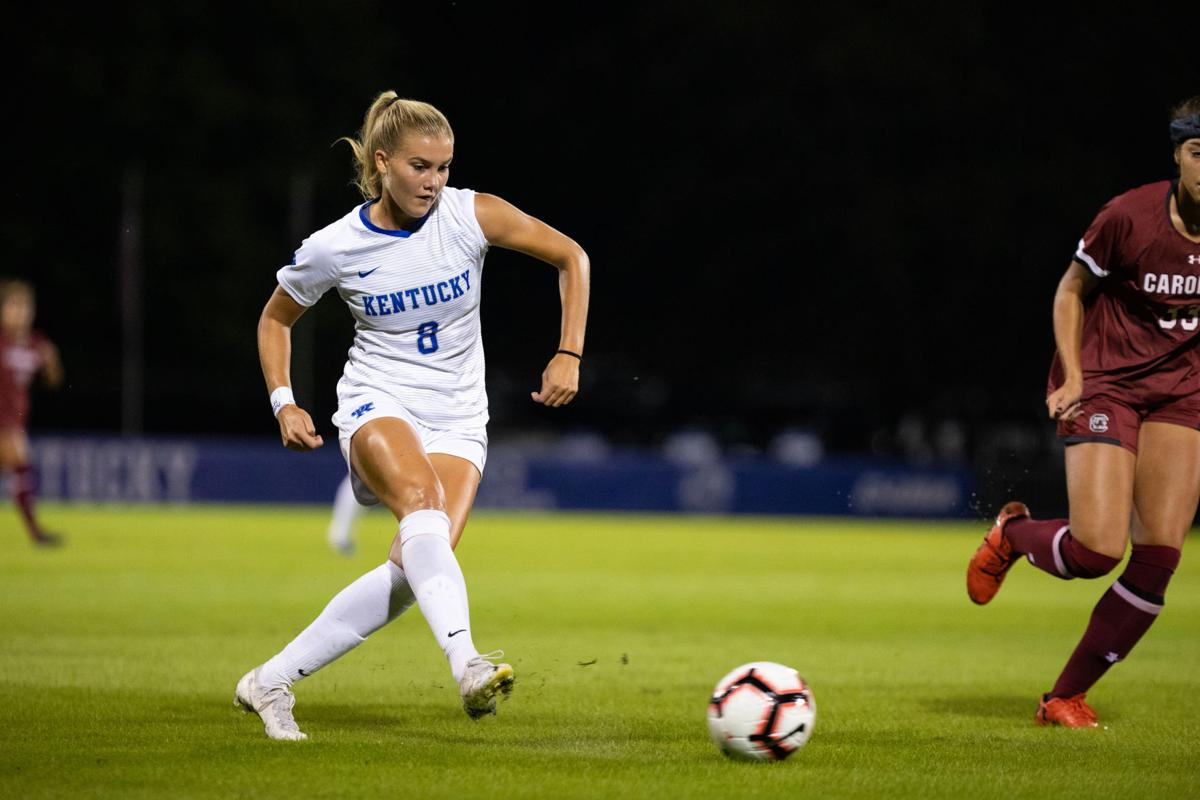 Uk Women S Soccer Faces Defensive Battle Falls To No 7