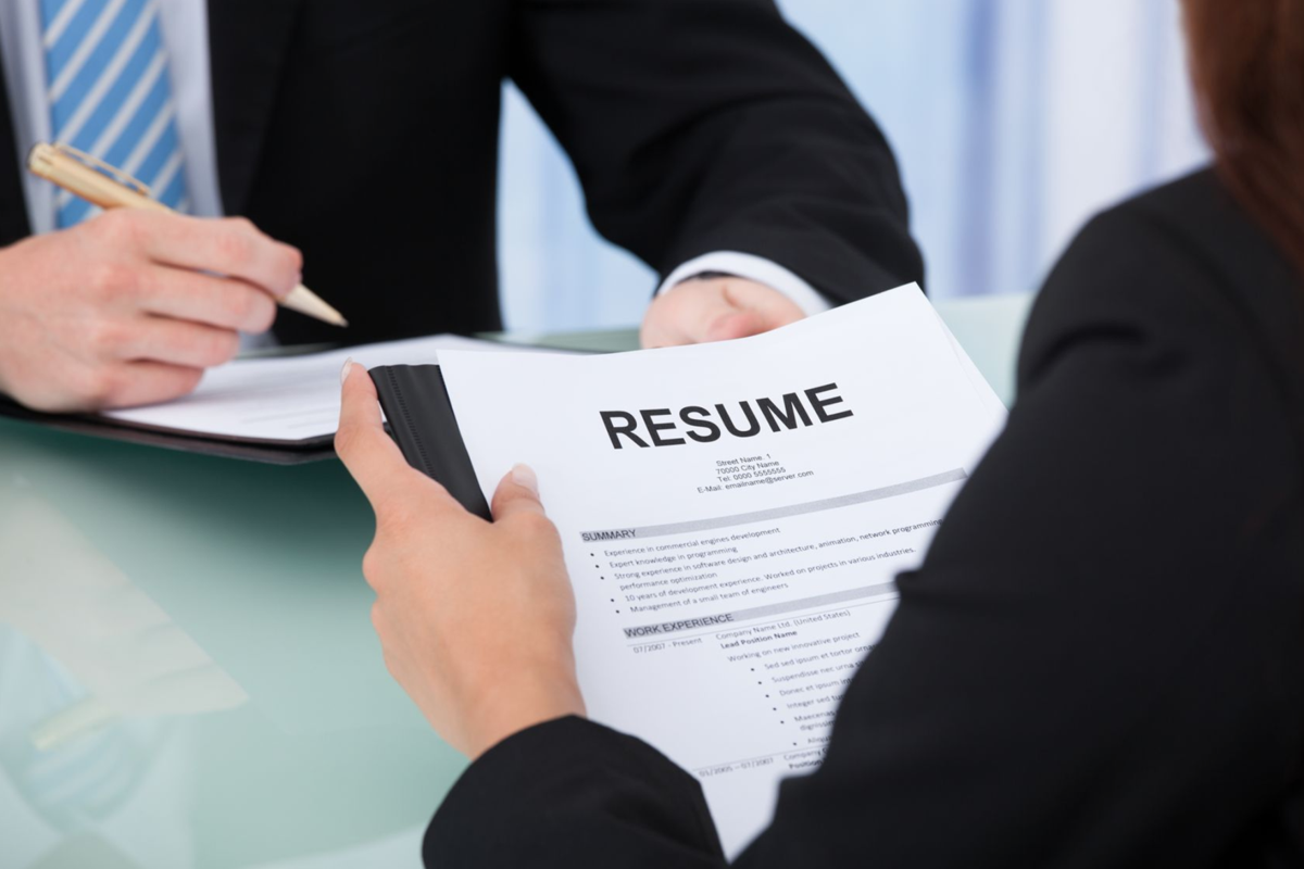 how to make your resume stand out professional