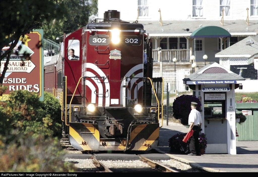 10-17 WOW Trail train.jpg