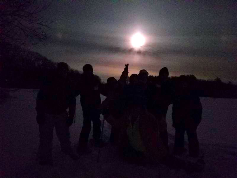 02-19 OUTDOORS Full moon group