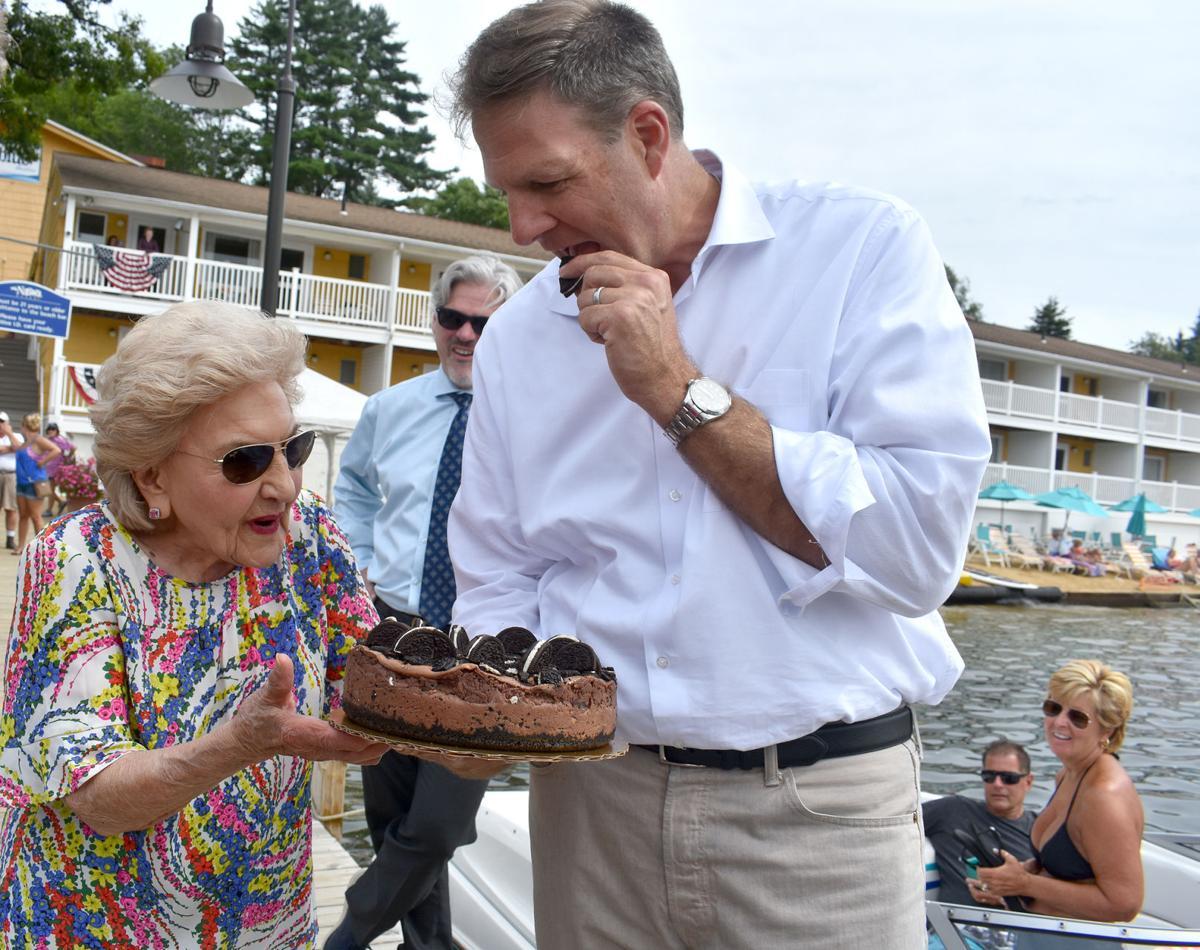 08-13 Naswa Governor cake