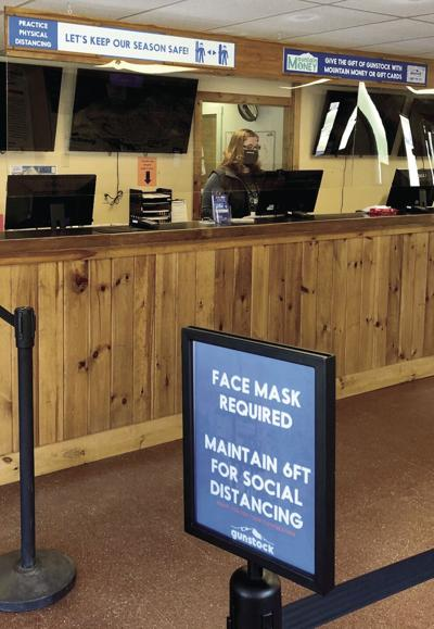 GUNSTOCK WELCOME COUNTER
