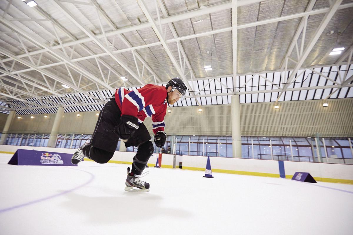 01-12 Thomas Missert skates