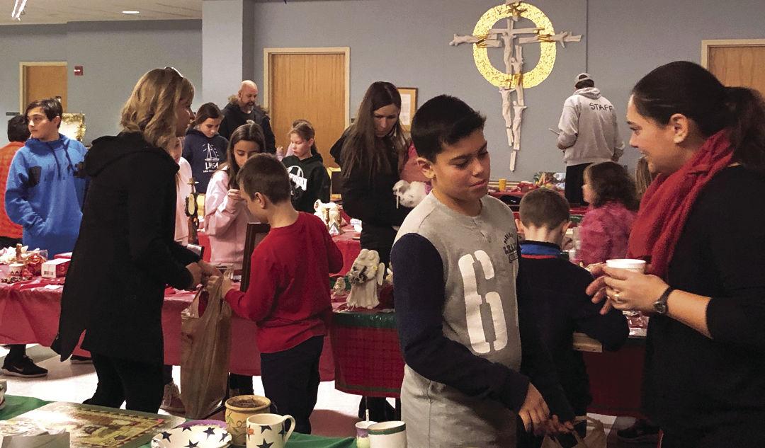 12-26 St Charles christmas shop2