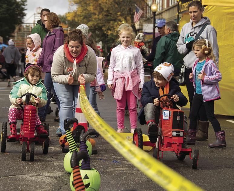 Pumpkin Fest crowds were 'elbow to elbow'
