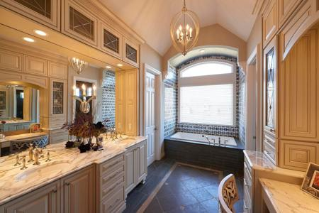 Schaub+Srote Transforms This Master Bath Into an Oasis - Please turn images on