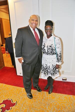 Michael Holmes, Dr. Yemi Akande-Bartsch
