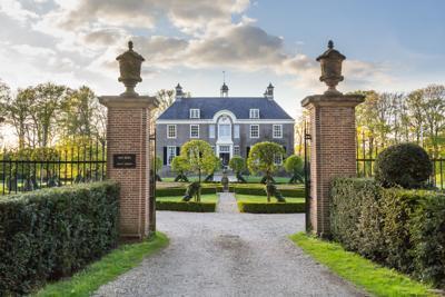 Medieval estate house Den Berg in Dalfsen MIllingen