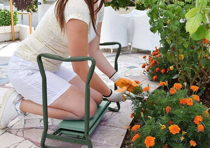 Garden-kneeler-and-seat-850x600.jpg
