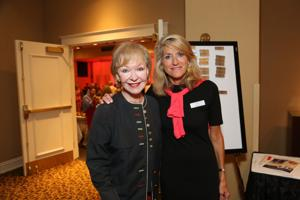 Donna Wilkinson, Laura Reeves