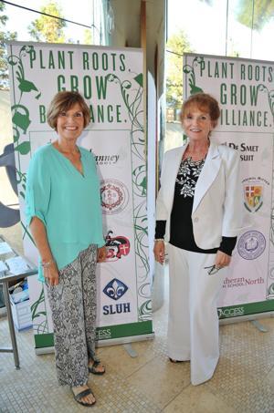 Kathy Bredenkoetter, Linda Cantrell (Volunteers)