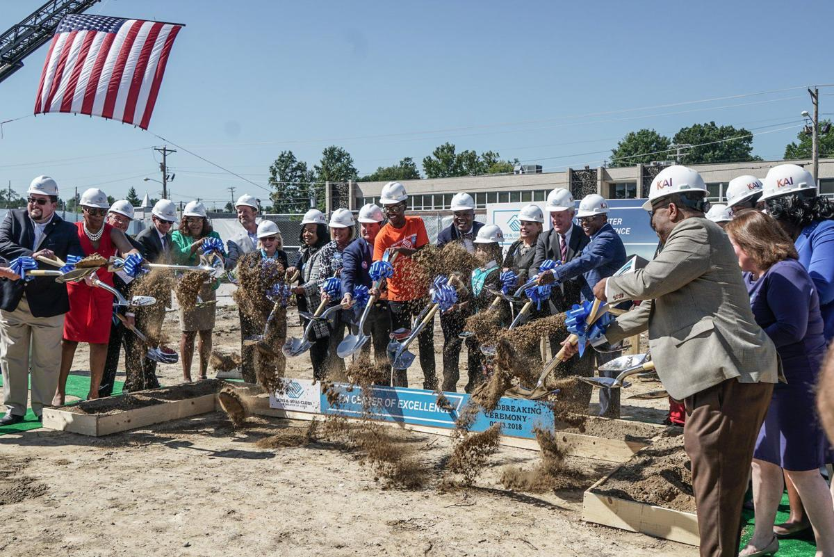 8 Groundbreaking - Photos by William Greenblatt and Lawrence Bryant.jpg