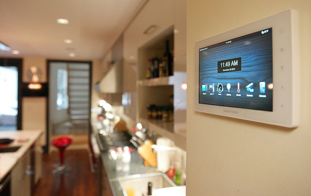 Electronics World - Hands on Crestron Home Automation.jpg