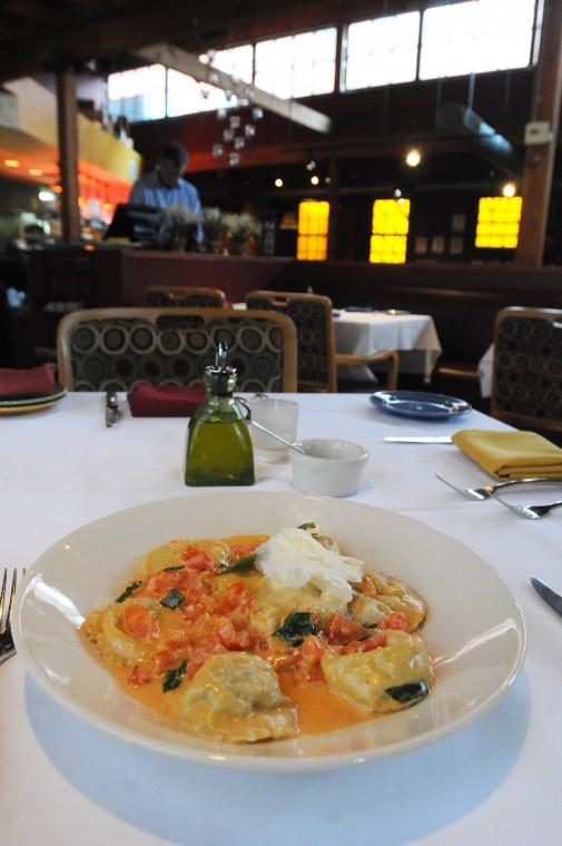 Dining_0914.JPG