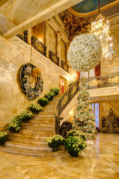 Marble House entrance foyer (JC).jpg