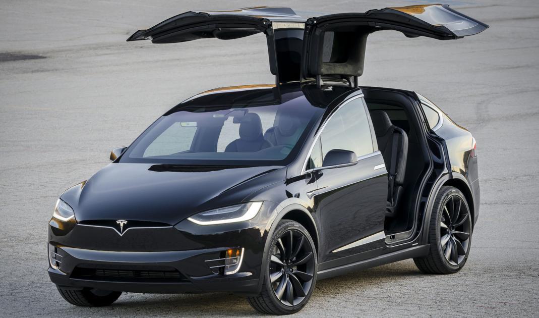 Test Drive the 2017 Tesla Model X   Test Drive   laduenews.com