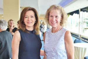 Kay Quinn, Carolyn Lewis