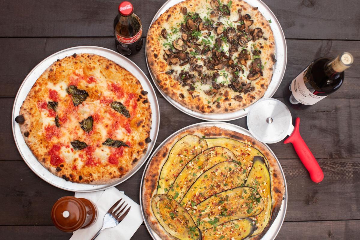 PizzeriaDaGloriaHiRes-01.jpg