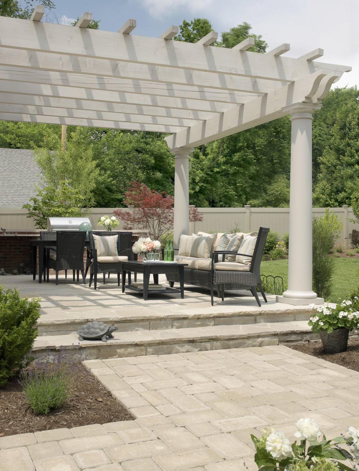 6  Outdoor Living Area.jpg