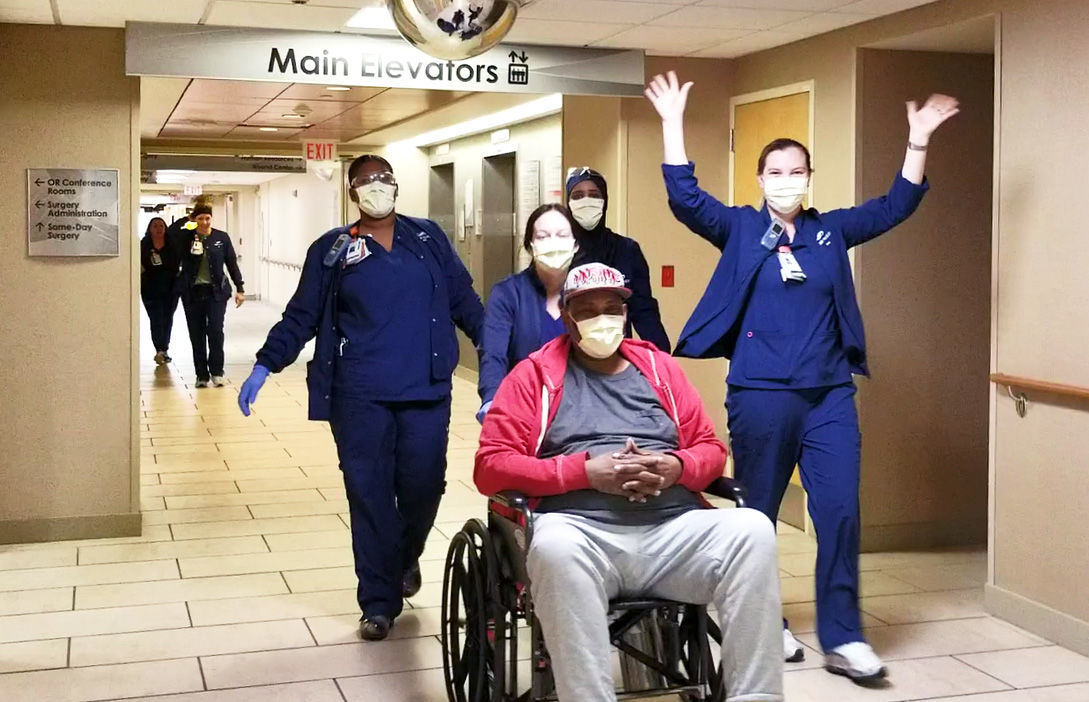100th Discharged COVID Patient-3.jpg