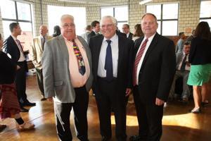 Peter Danielsons, Wallace Trosen, Jeff Miller