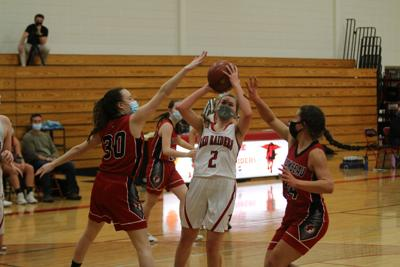 Raiders fall in Regional to Holcombe