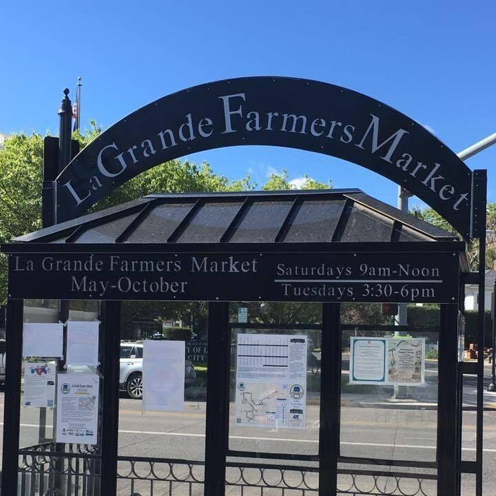 La Grande Farmers Market sign