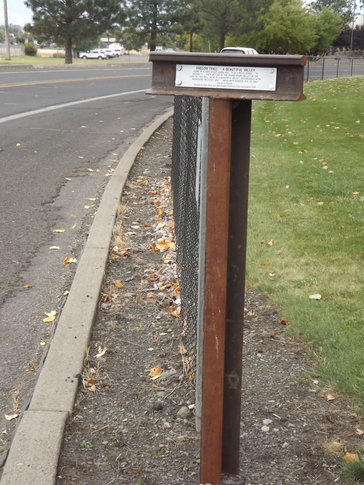 Oregon Trail marker 2