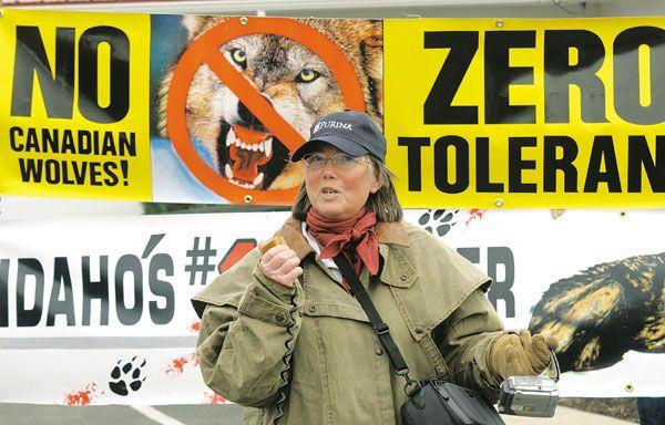 Protesters blast wolf presence in N.E. Oregon