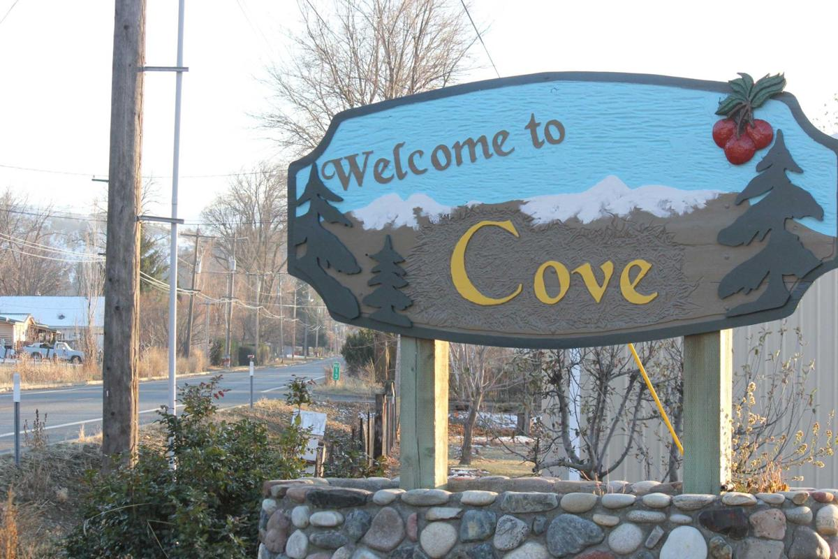 Welcome to Cove sign