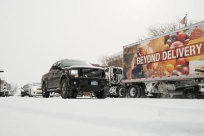 La Grande snow traffic